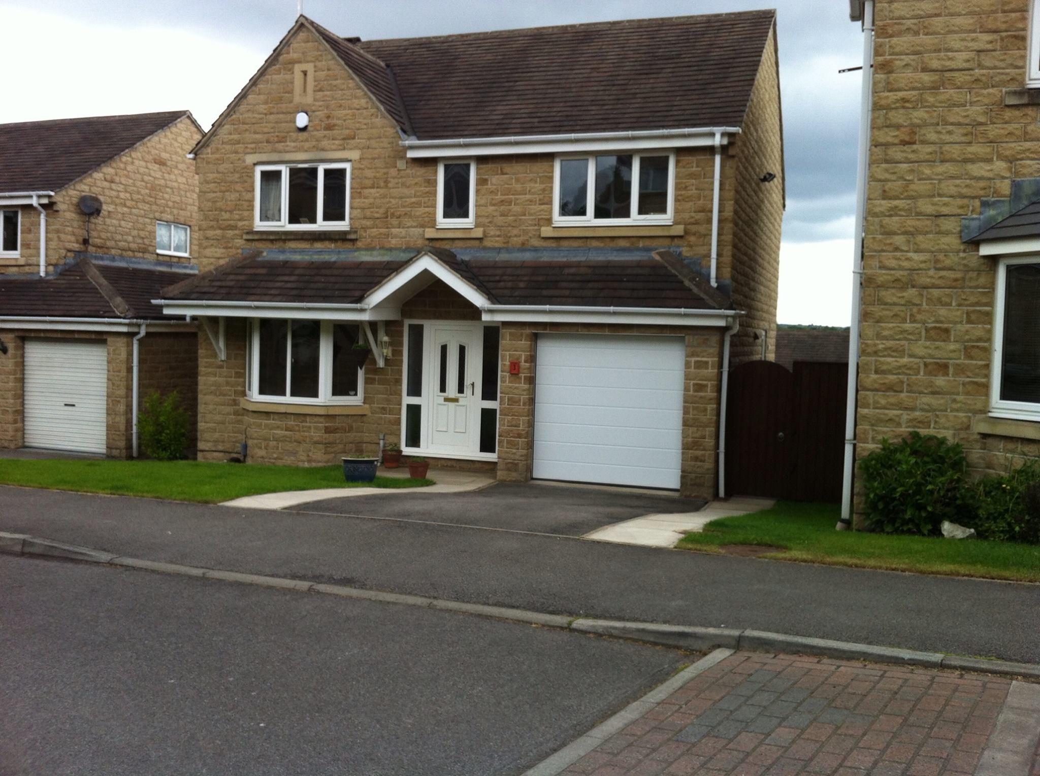 1529 #45591E 1st Choice Garage Doors : Mirfield Yorkshire pic First Garage Doors 36212048